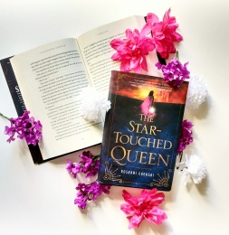 the startouched queen bookstagram